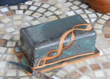 Covered Butter Dish in Slate Blue and Rust Chain