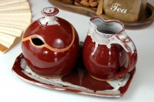 Red Agate Creamer And Sugar Set with Tray
